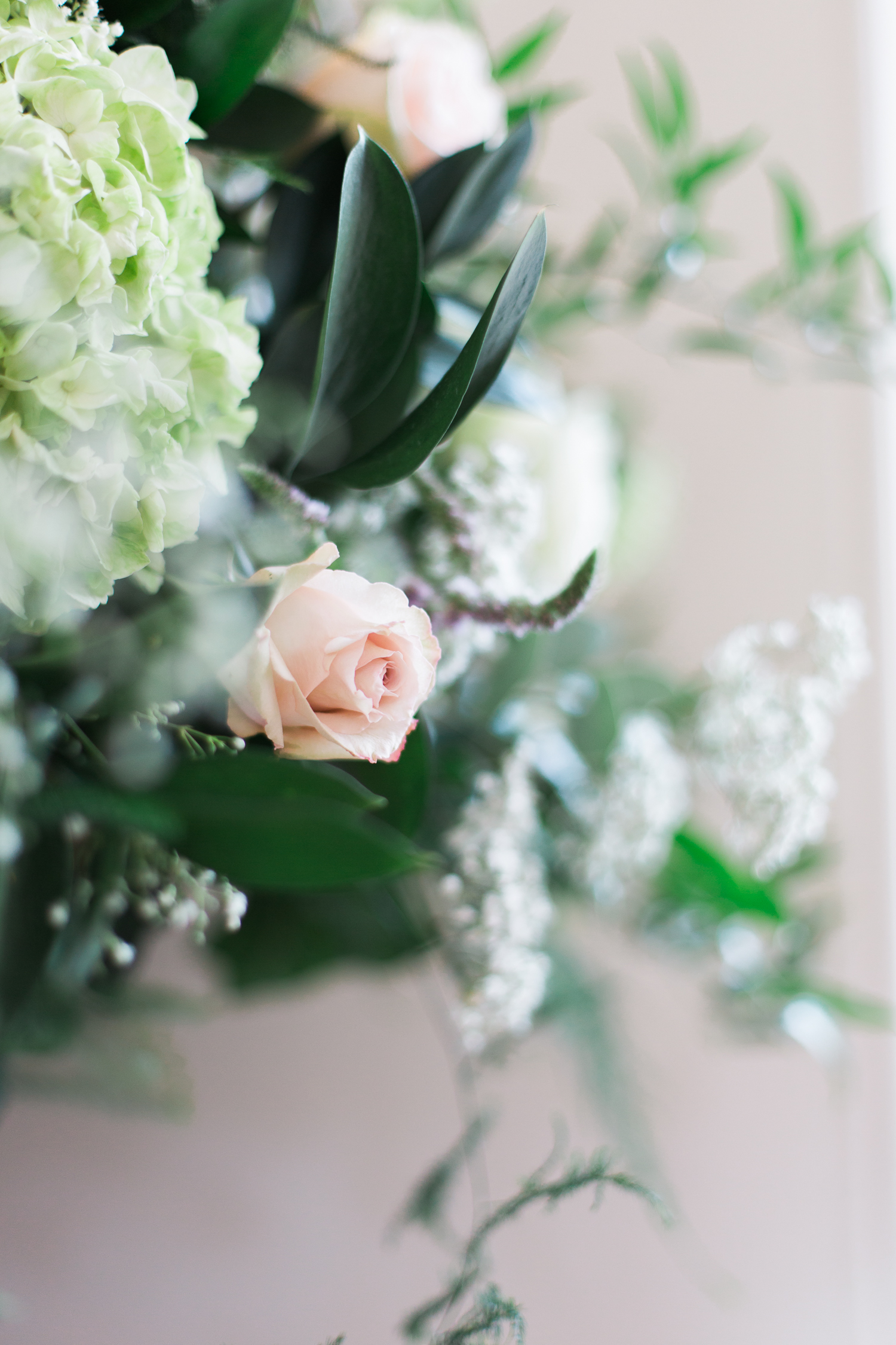 Flowers by Selina Godsal at an Iscoyd Park wedding