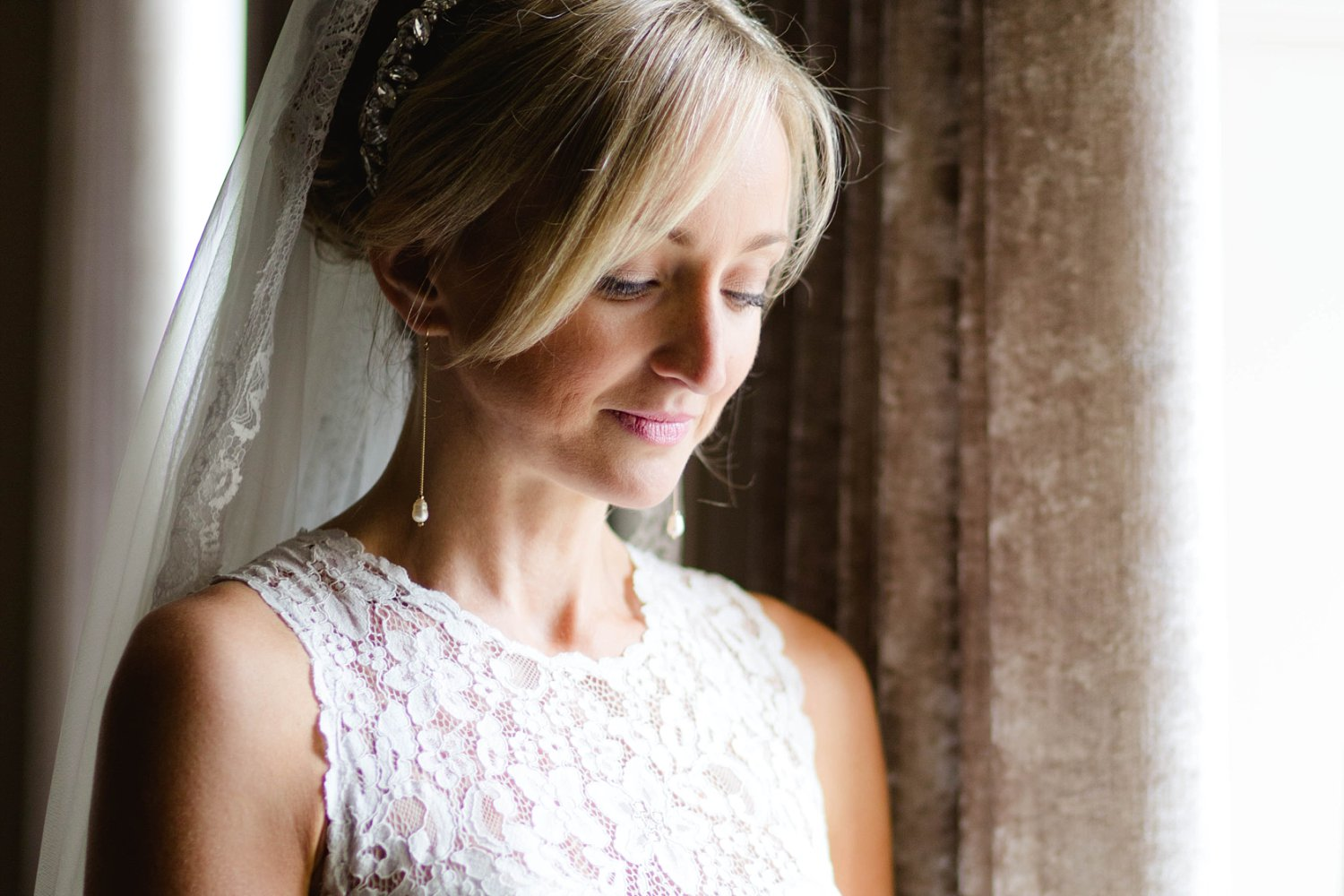 Bridal Portrait at Carlowrie Castle in Scotland photo